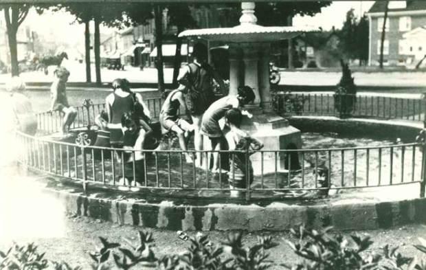 fountain-1920